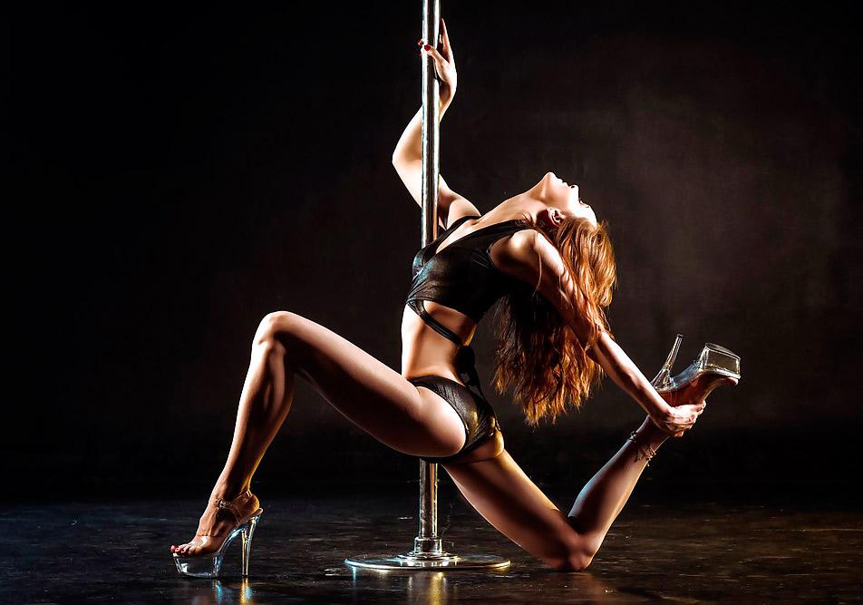 Сексуальный танец на полу